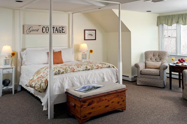 Moonglow Deluxe Ocean-View Room in Cape Cod